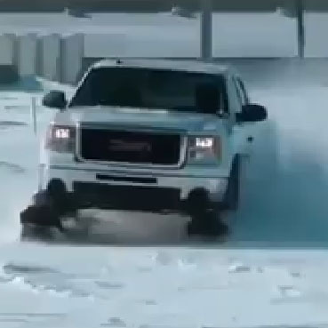 snow plow treads for four-wheel drive vehicles
